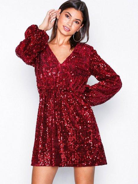 Billede af NLY Trend Perfect Velvet Sequins Dress Pailletkjoler Rød