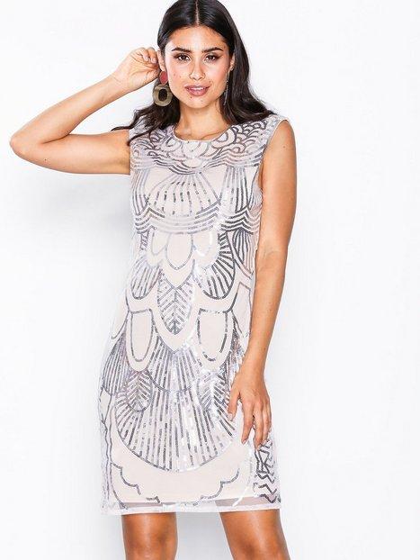Billede af NLY One Art Deco Dress Pailletkjoler Lys Rosa