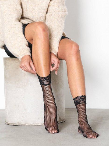 Billede af NLY Lingerie Lace Ankle Fishnet Socks Ankelsokker Sort