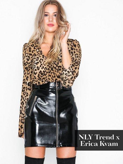 Billede af NLY Trend Belted PU Skirt Mini nederdele Sort