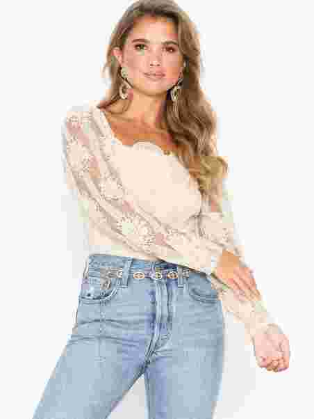 f39d2adb0ab2e3 Moments Lace Blouse - Nly Trend - Offwhite - Blouses   Shirts ...
