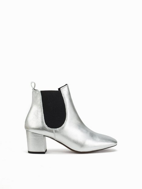Topshop 60's Chelsea Boots Heel Silver thumbnail