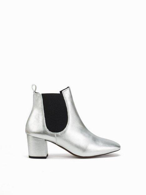 Billede af Topshop 60's Chelsea Boots Heel Sølv
