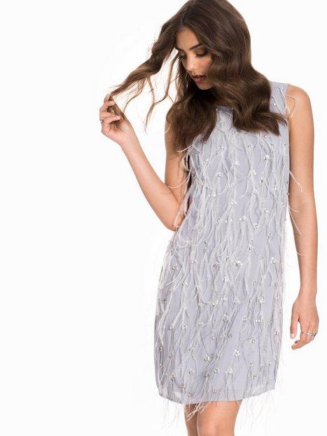 Billede af Miss Selfridge Emellished Feather Shift Dress Loose fit Grey