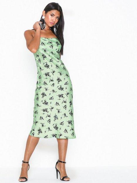 Billede af Topshop Apple Satin Newon Bias Slip Dress Tætsiddende kjoler