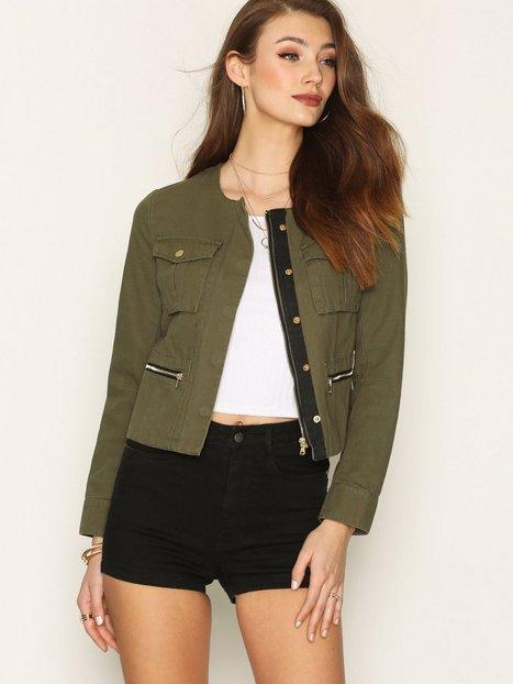 Billede af NLY Trend Short Detailed Jacket Blazer Grøn