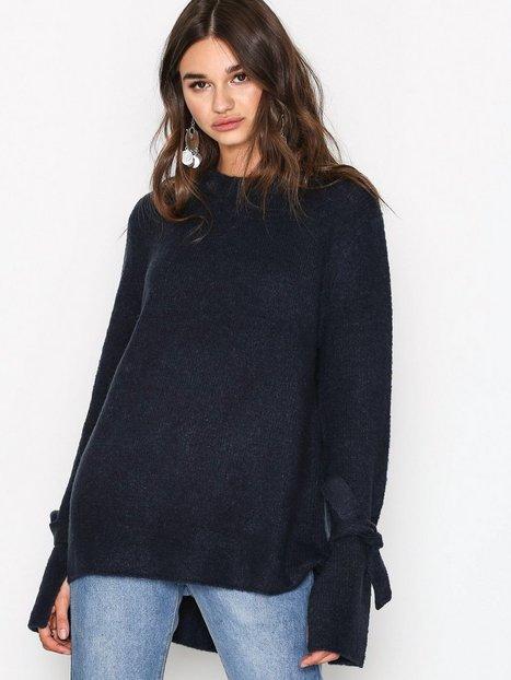 Billede af NLY Trend Soft Knit Tied Sleeve Trøjer Marine