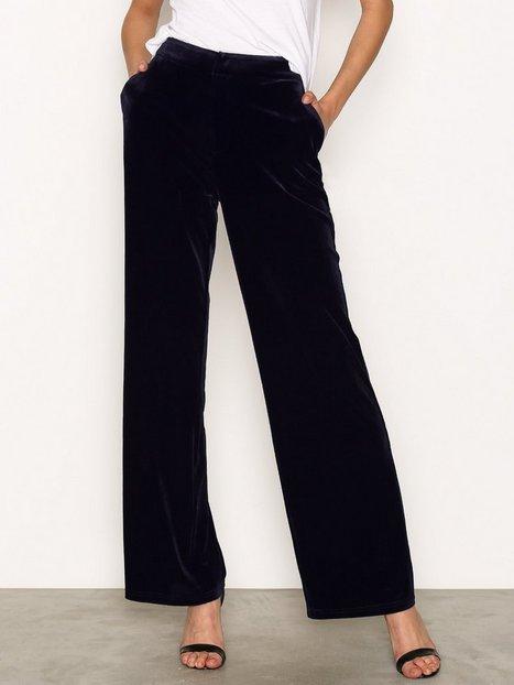 Billede af NLY Trend Have It All Velvet Pants Bukser Mørkeblå