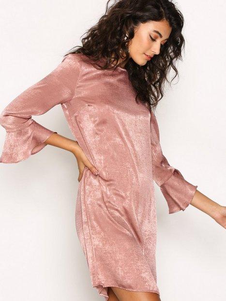 Billede af NLY Trend All About The Sleeve Dress Langærmede kjoler Lys Rosa
