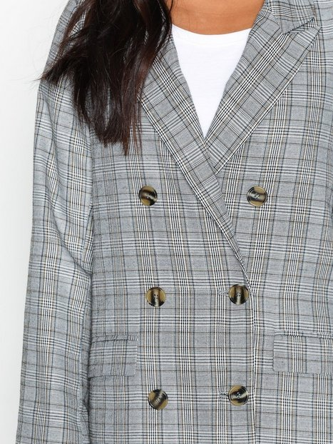 The It Check Coat