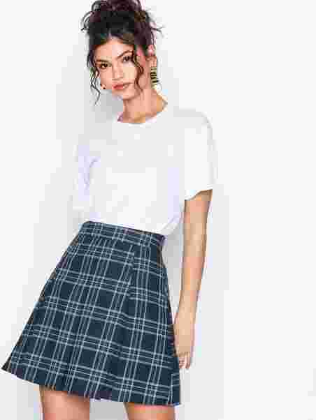 58cb8b5edb Check Pleated Skirt - Nly Trend - Checkered - Skirts - Clothing ...
