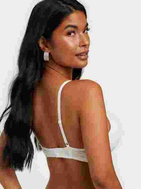 Shoppa Claire Super Push Up Bra - Online Hos Nelly.com 778363775f600