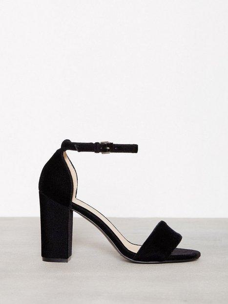 Billede af NLY Shoes Block Heel Sandal High Heel Black Velvet