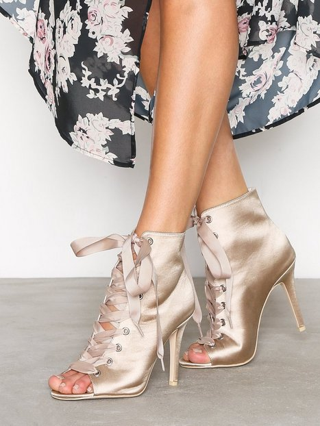 Billede af NLY Shoes Open Toe Bootie Lace Up Champagne