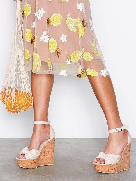 Billede af NLY Shoes Sandal Wedge Wedge Offwhite