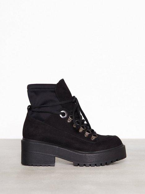 Sneaker Sock Boot