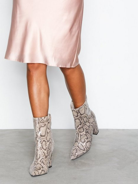 Ankle High Block Heel Boot
