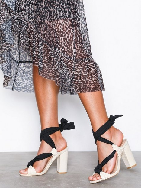 NLY Shoes Knot Lace Up Sandal High Heel Offwhite/Black