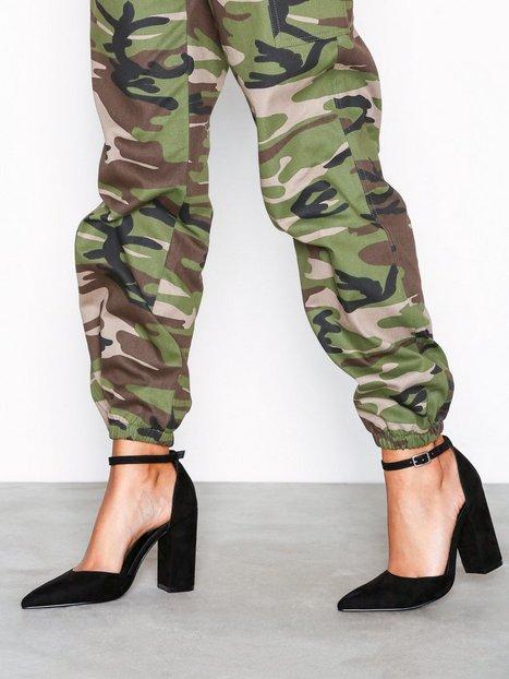 Billede af NLY Shoes Sharp Block Sandal High Heel Sort