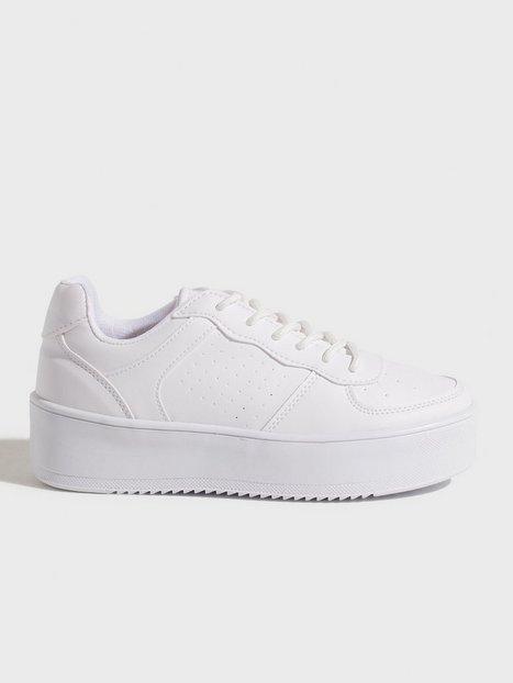 Flirty Platform Sneaker