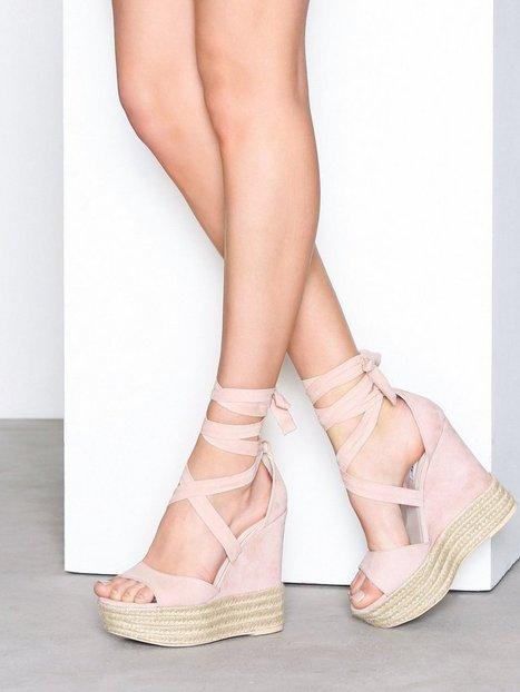 Billede af NLY Shoes Lace Wedge Sandal High Heel Dusty Pink