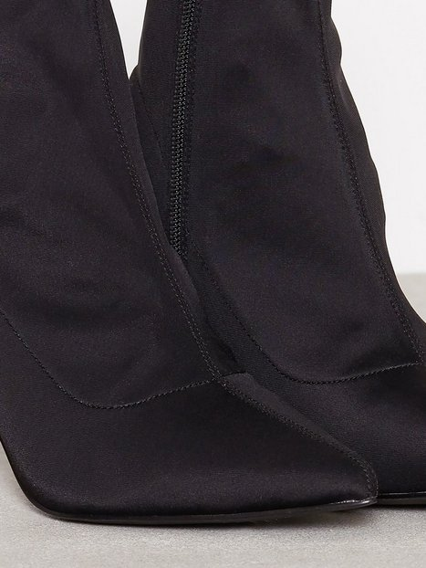Stretchy Stiletto Boot