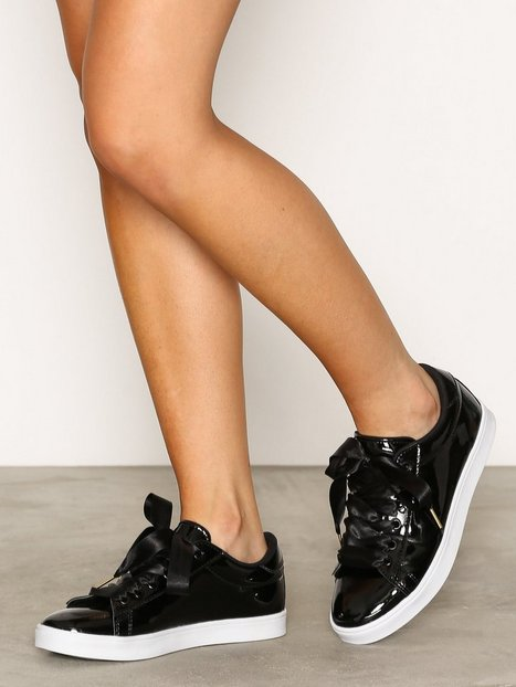 NLY Shoes Patent Sneaker Low Top Svart thumbnail
