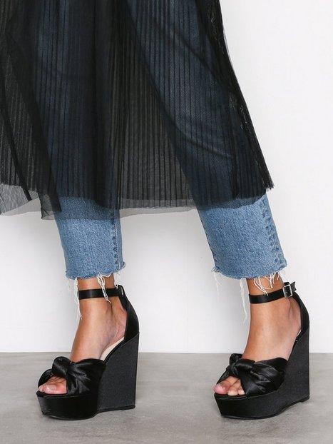Billede af NLY Shoes Twist Wedge Sandal Wedge Sort