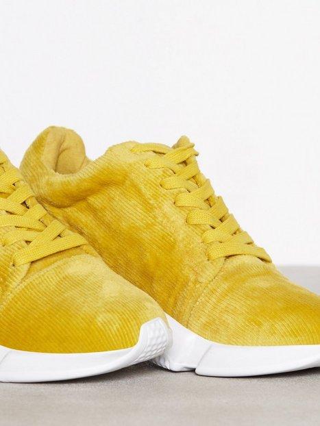 Corduroy Sneaker