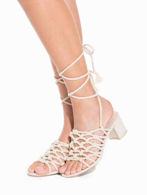 Billede af NLY Shoes Mid Heel Knot Sandal Lace Up Beige