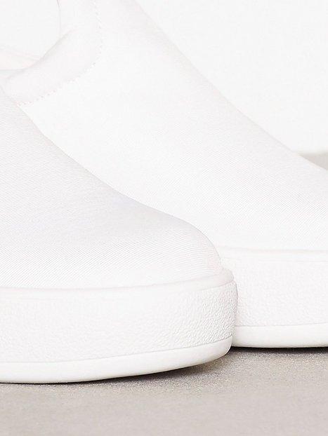 Padded Platform Sneaker