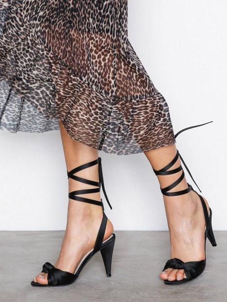 Billede af NLY Shoes Lace Up Bow Sandal Lace Up Sort