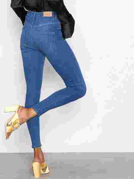 ac572a302f5 Molly High Waist Jeans - Gina Tricot - Dark Blue Denim - Jeans - Tøj ...
