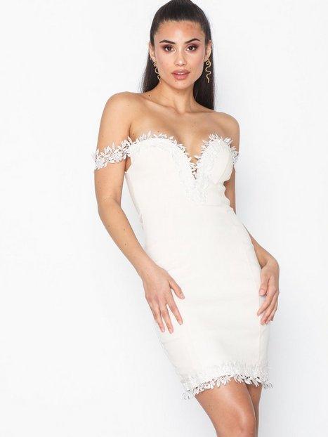 Billede af Rare London Croshet Trim Bardot Dress Tætsiddende kjoler