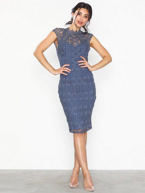 Billede af Little Mistress Knee Length Crochet Trim Dress Tætsiddende kjoler