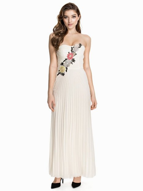 Elise Ryan Flower Embellished Maxi Dress Maxiklänningar Cream thumbnail