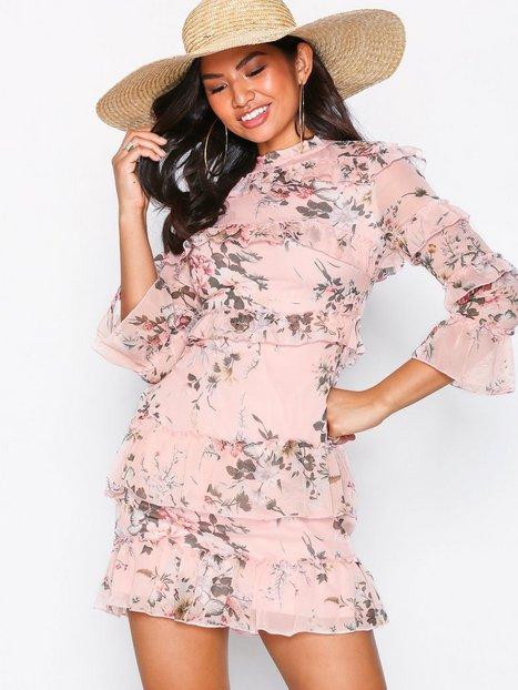 Billede af Parisian Long Sleeve Frill Dress Kropsnære kjoler Pink