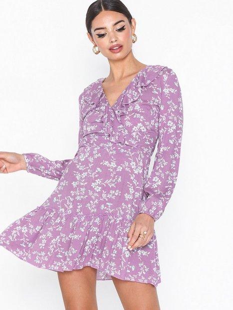 Billede af Parisian Ditsy Floral Wrap Front Lace Mini Dress Loose fit