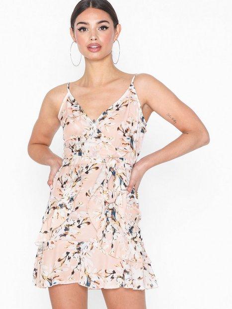 Billede af Parisian Floral Frill Hem Belted Cami Dress Loose fit dresses