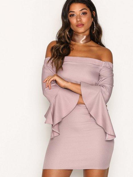 Billede af Missguided Bardot Ruffle Sleeve Shift Dress Loose fit Pink