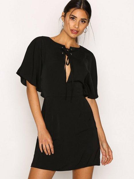 Billede af Missguided Silky Lace Up Mini Dress Loose fit Black