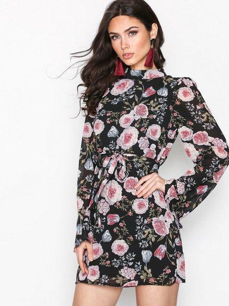 Missguided Chiffon Floral Mini Dress Pitkähihaiset mekot Black thumbnail