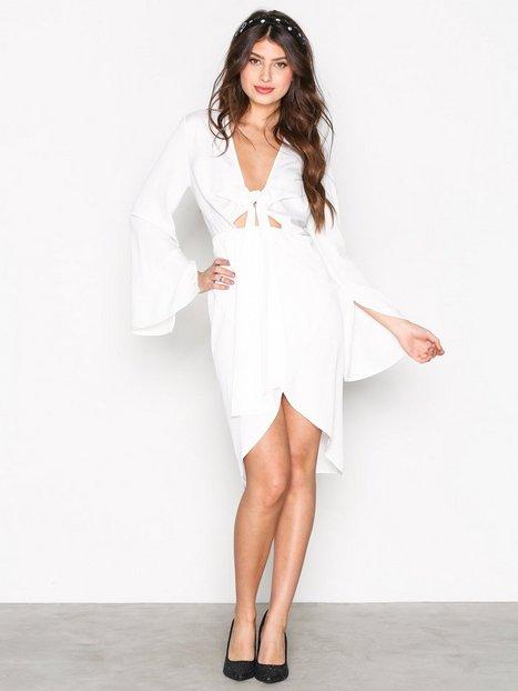 Billede af Missguided Satin Plunge Midi Dress Loose fit White