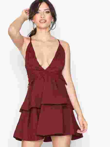 134ddb8447fd Crochet Double Layer Plunge Dress - Missguided - Burgundy - Party ...