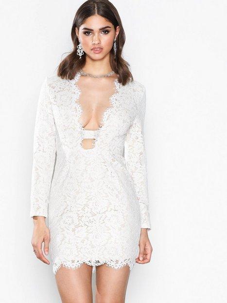 Lace Scallop Bodycon Dress