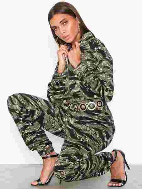 6691dab0cb1 Camo Utility Jumpsuit - Missguided - Green - Jumpsuits - Clothing ...
