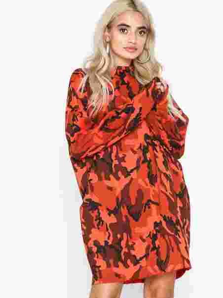 c2a5fbca95d Oversized Camo Sweater Dress - Missguided - Orange - Dresses ...