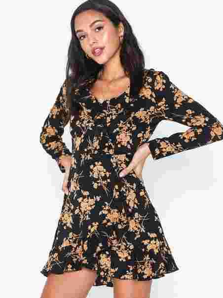 Missguided Black Basic T Shirt Dress | Shirt dress, Casual