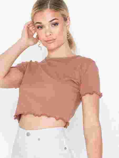 c228e3e92b3 Lettuce Hem Crop Top - Missguided - Rose - Tops - Clothing - Women ...