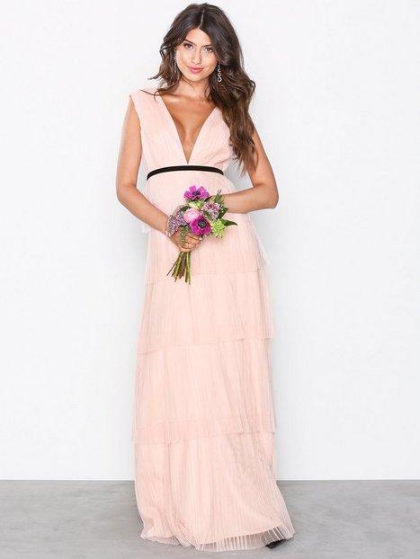Billede af Chi Chi London Adria Maxi Dress Maxikjoler Pink